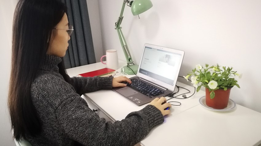 Working from home has provided unexpected benefits for Song Ziwei during her two-month quarantine. Offering an important sense of structure, her daily work routine kept her connected with colleagues and the outside world.